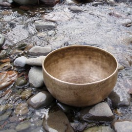singing bowl in water thumb_2417118986