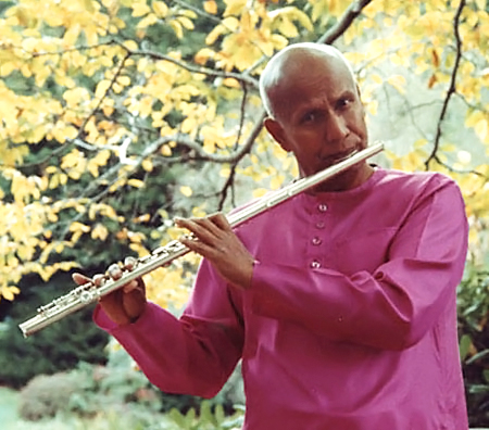 sri-chinmoy-fluteB